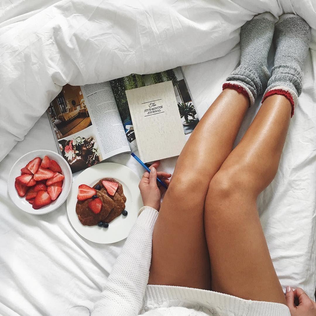 Breakfast in Bed by mimiikonn