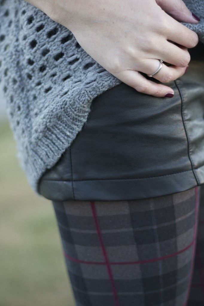 fashion details - plaid, leather, sweater, tights