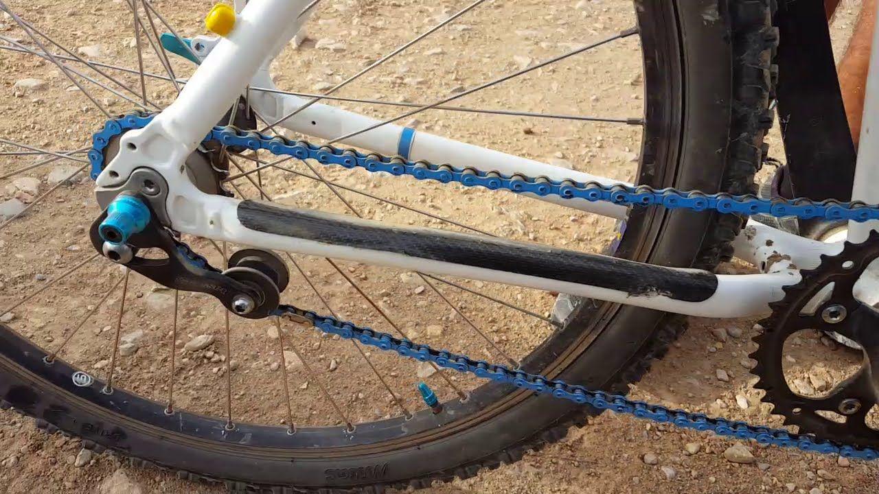 Review bicicleta fabricación artesana y casera con un plato y un piñón. Mostramos esta bicicleta fabricada por uno de nuestros comunitarios, totalmente personalizada, con un plato y un piñón sin cambios (single speed), una curiosa bicicleta. Bicicleta hecha a partir de material reciclado, con partes de otras bicis desechadas Fuente:Comunidad Biker MTB