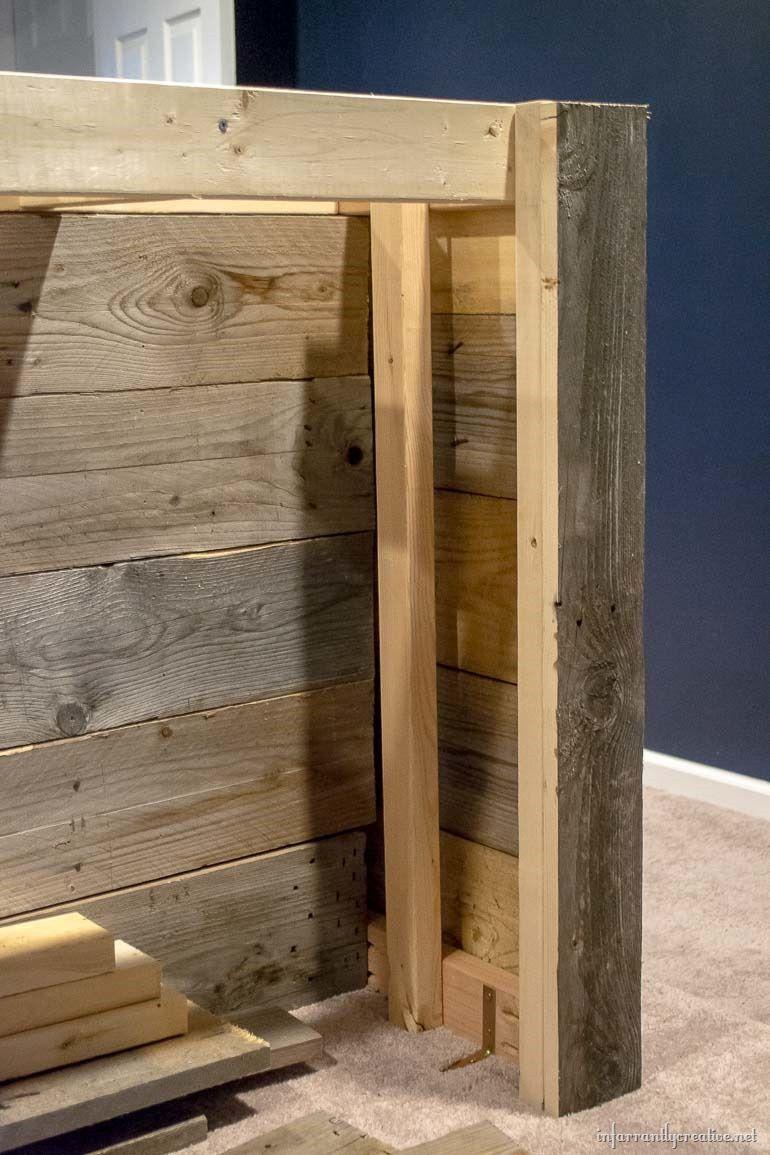 Man Cave Wood Pallet Bar {Free DIY Plans
