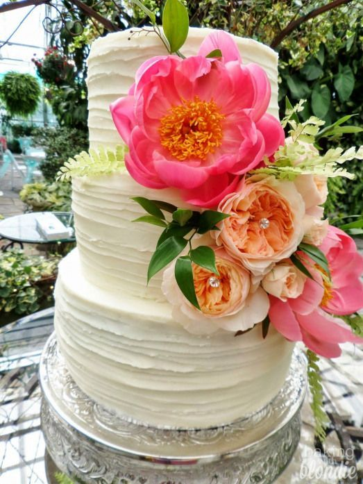 with Blondie : Peony Wedding Cake
