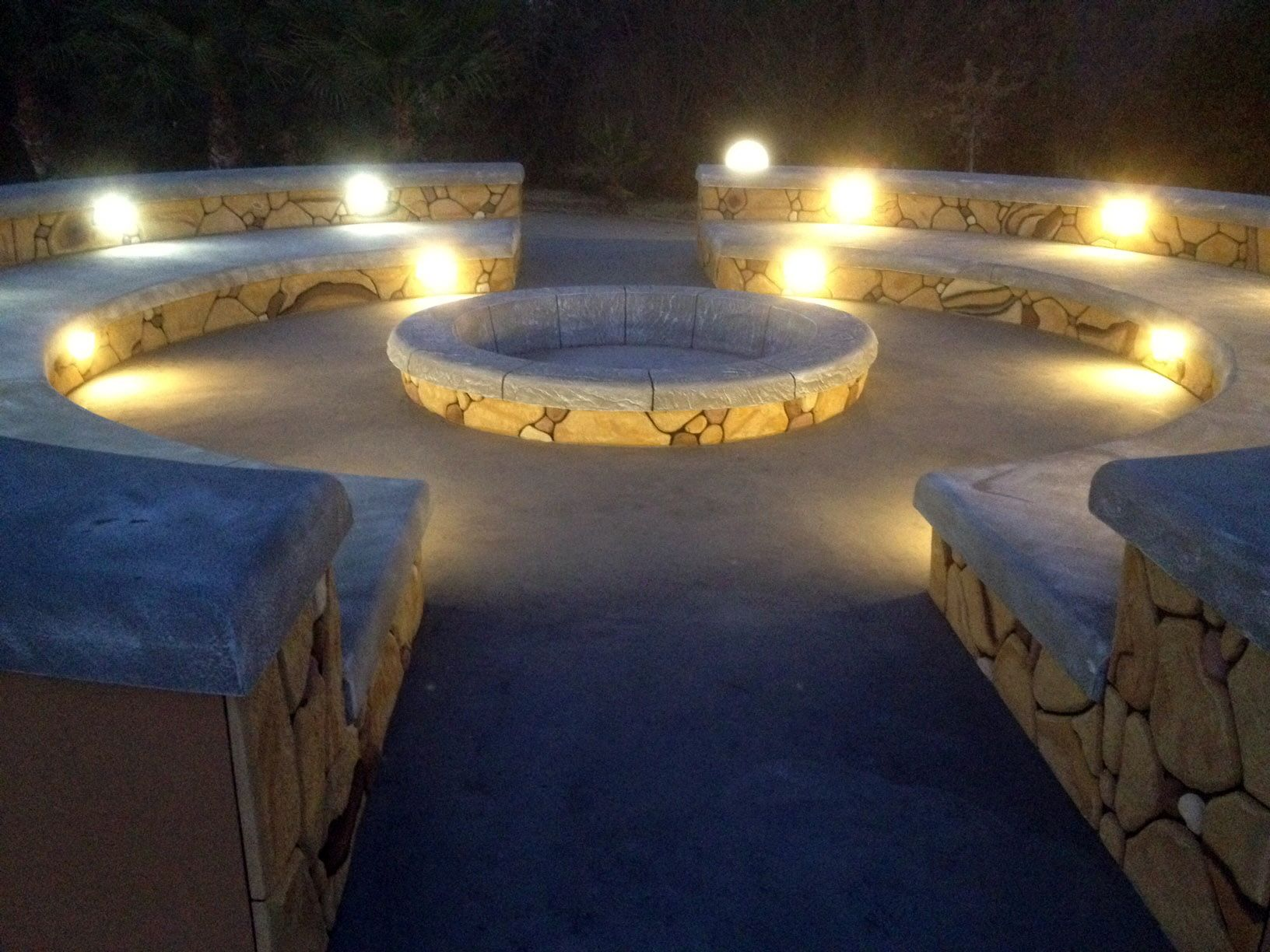 boma at night, perfect for bone fires, braais, potjie ... on Modern Boma Ideas id=84601