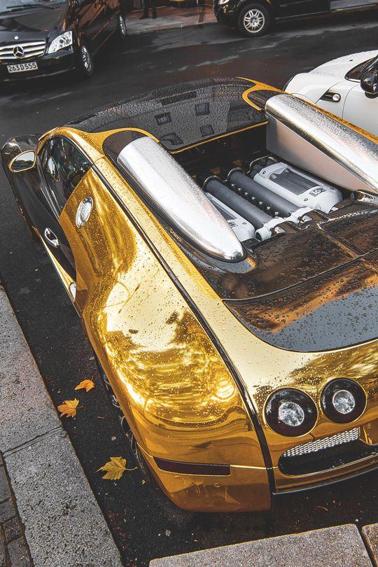 Golden Bug With Images Bugatti Veyron Bugatti Veyron
