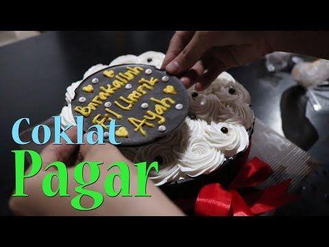 Cara Membuat Atau Menghias Kue Ulang Tahun Menggunakan Coklat Pagar Youtube Menghias Kue Kue Ulang Tahun Kue