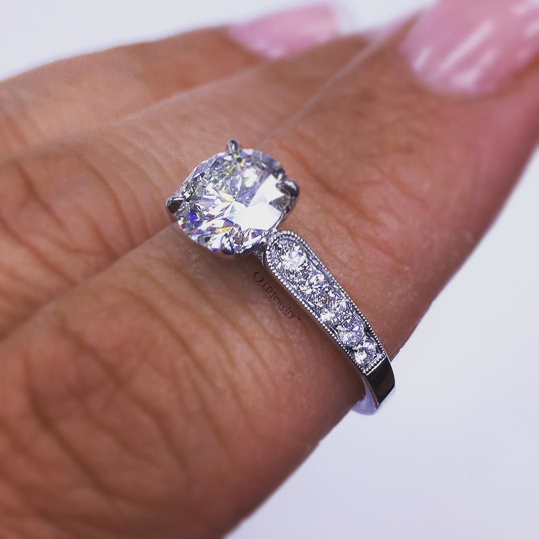 Perfection isn't an option it's a given @idjewelry #idjewelry #idjbling #idjsparkle #roundbrilliantcut #GIA #GIAcertified #diamonddistrict #engagementring #engagement #ring #engaged style: IDJ-014487 in 18kt #whitegold...just stunning