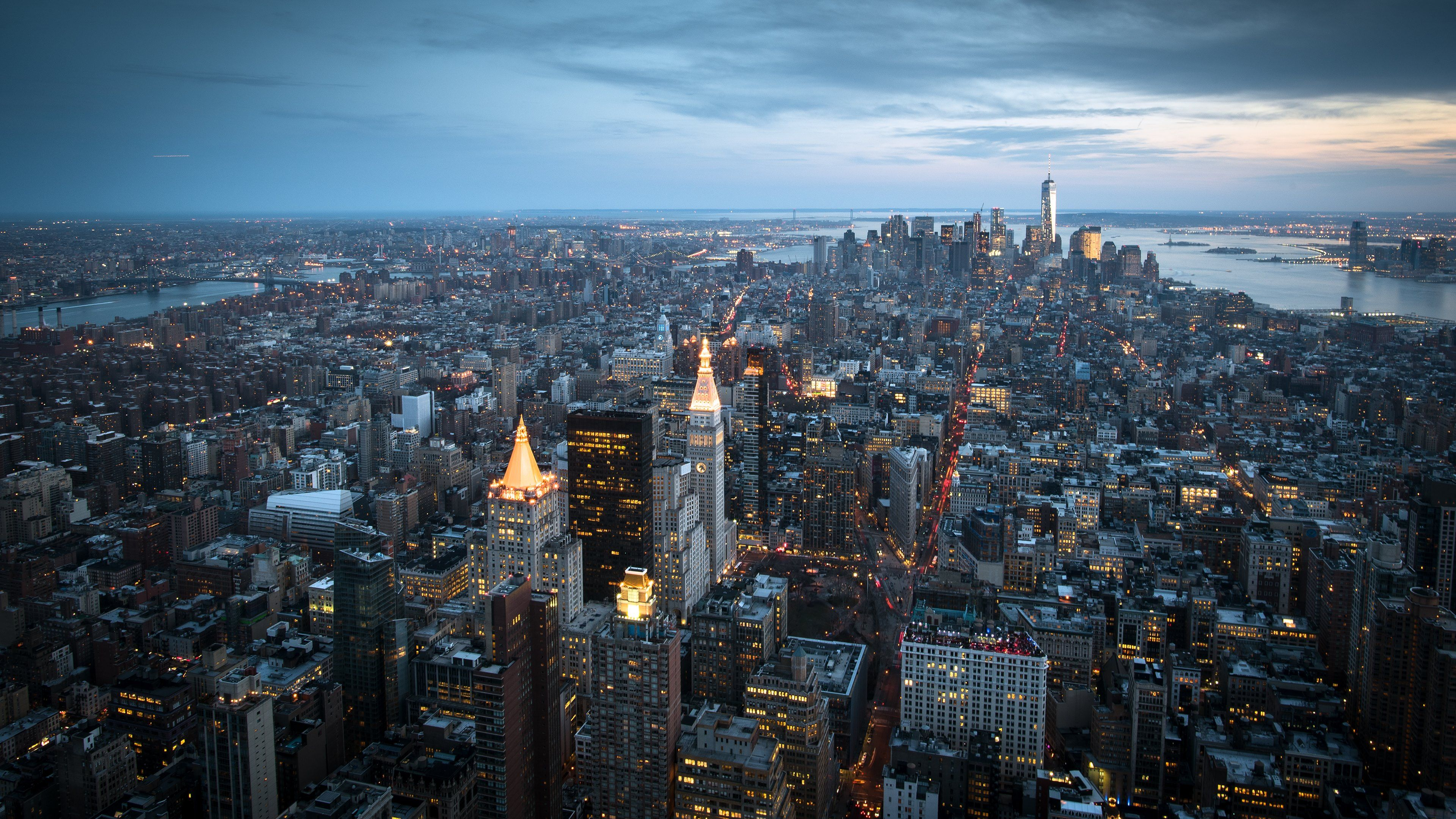 Looking at Manhattan from Empire State Building Wallpapers