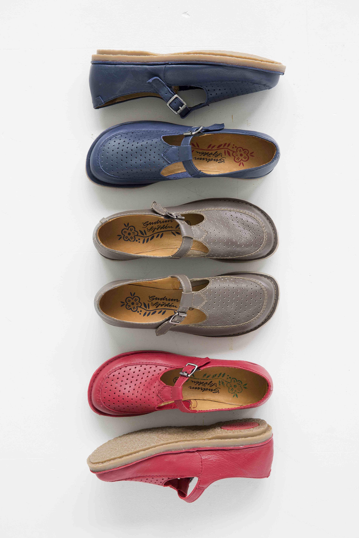Pin do(a) Paula Machado em BOTAS E SAPATOS | Sapatos, Botas