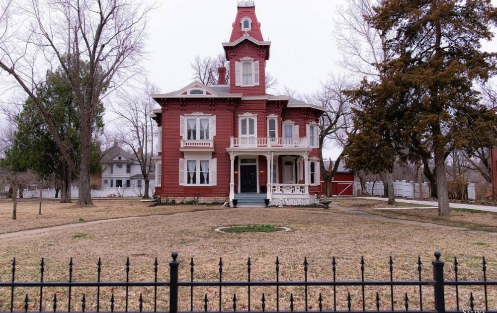 Stunning Second Empire On The National Register Circa Old Houses In 2020 Old House Dreams Exterior Brick Pleasant View