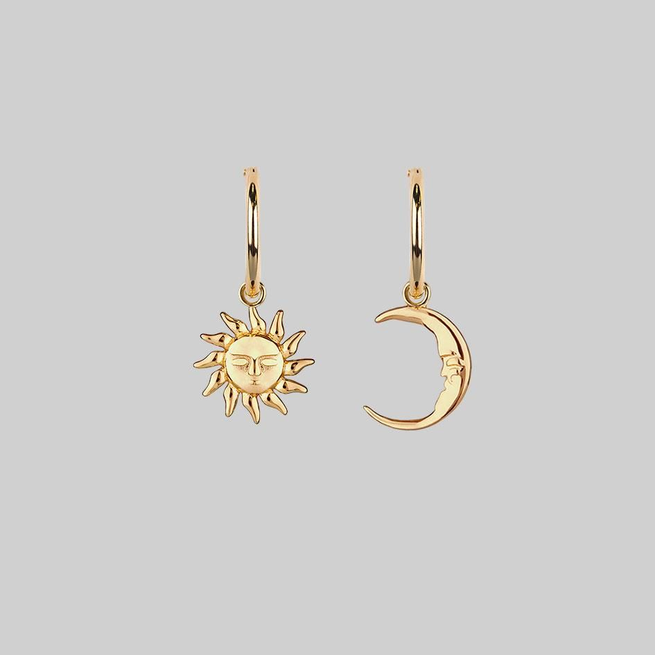 ELIN. Sun & Moon Hoop Earrings - Gold – REGALROSE