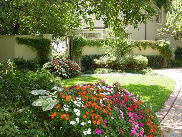 Topic floral design landscaping and maintenance inc for Garden scaping