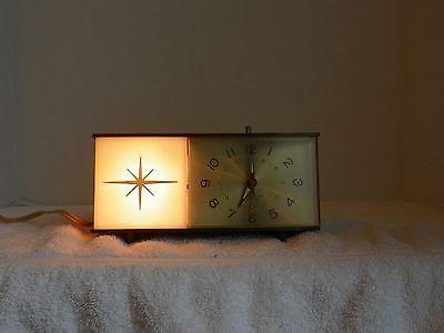 Vintage 1960's Westclox Moonbeam Nightlight Electric Alarm Clock   eBay