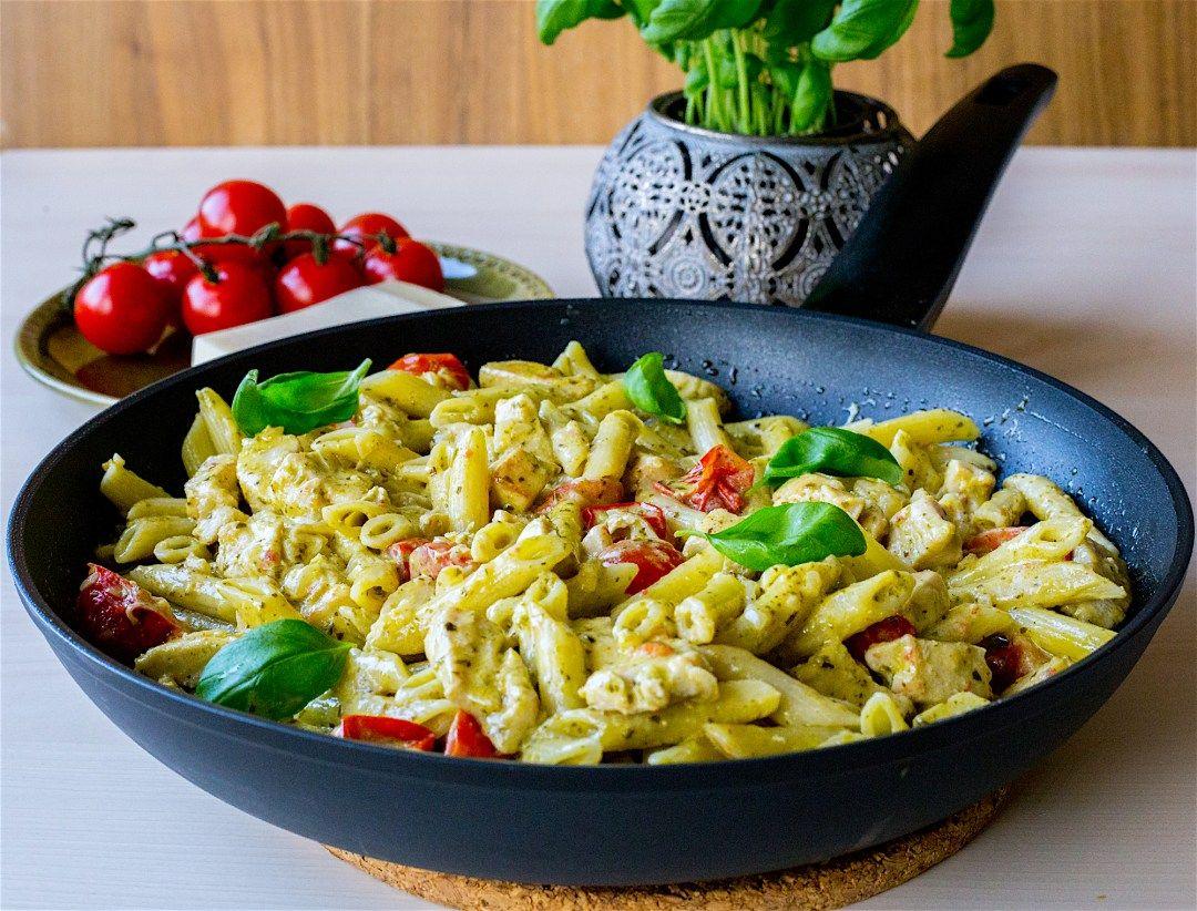 Pasta Pesto Med Kyckling Zeinas Kitchen Recept Nyttig Mat