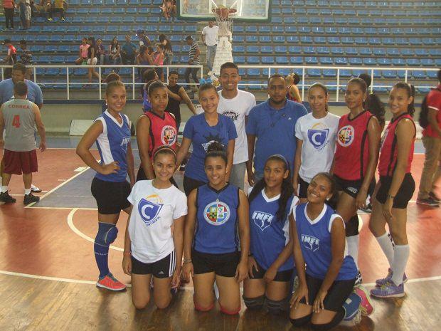 Sexteto Cosiris Rodríguez vence al Milagros Cabral en Juego de Estrellas voleibol colegial en SFM