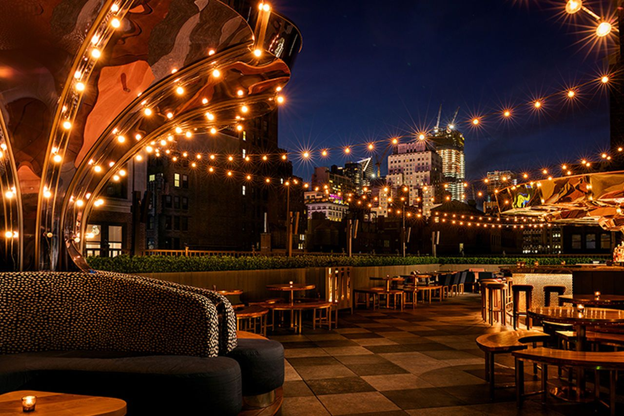 Magic Hour Rooftop Bar Lounge At Moxy Times Ahead Americas Best Rooftop Bars Nyc Rooftop Bars Nyc Rooftop Bar