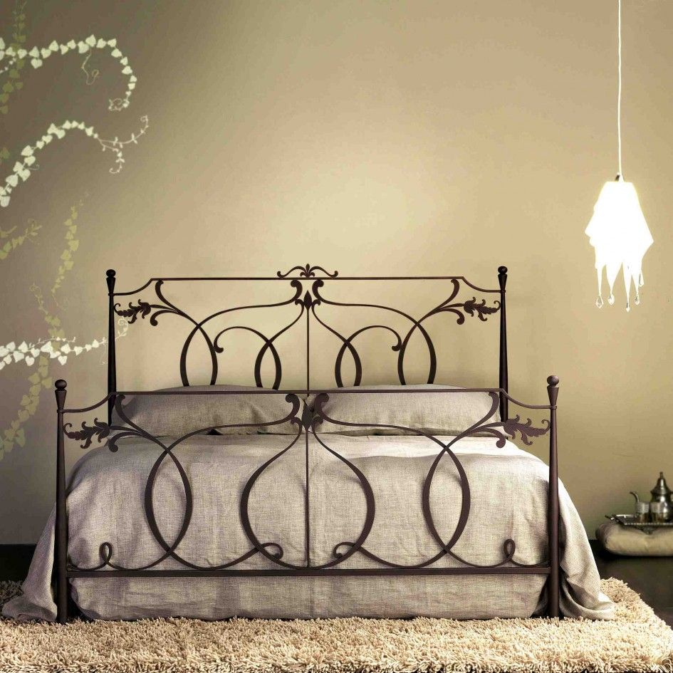 High Quality Hand Made Wrought Iron Platform Bed With Brown Cotton ...