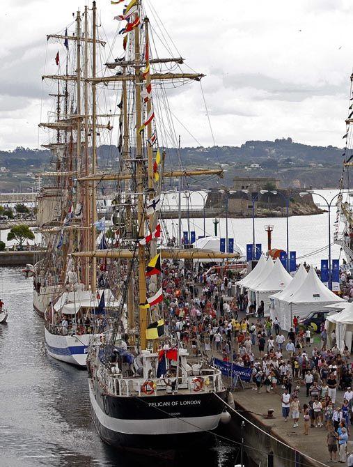 La Regata De Este Año Atrajo A Un Millón De Visitantes A Coruña España A Coruña Lugares Para Conocer