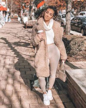 Carlye Myka (@carlyemyka)  | Photos and Outfits on