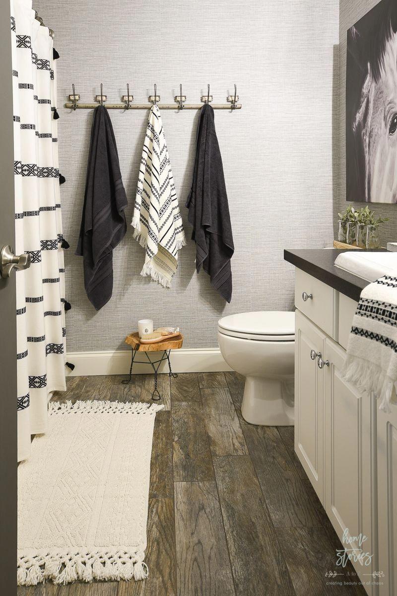 4 Tips For Creating A Budget Friendly Boho Farmhouse Bathroom Makeover Home Stories A To Badezimmer Renovierungen Bauernhaus Badezimmer Badezimmer Renovieren