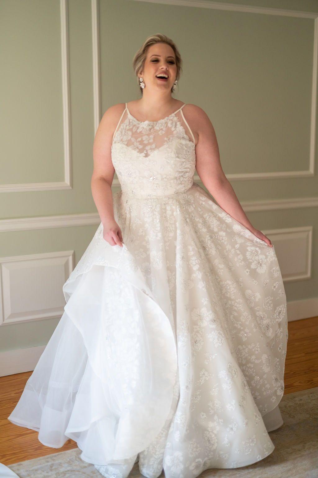 Hayley Paige Curvy Collection Reagan Wedding Dress Wedding Dresses Sparkle Wedding Dress Dresses [ 1537 x 1024 Pixel ]