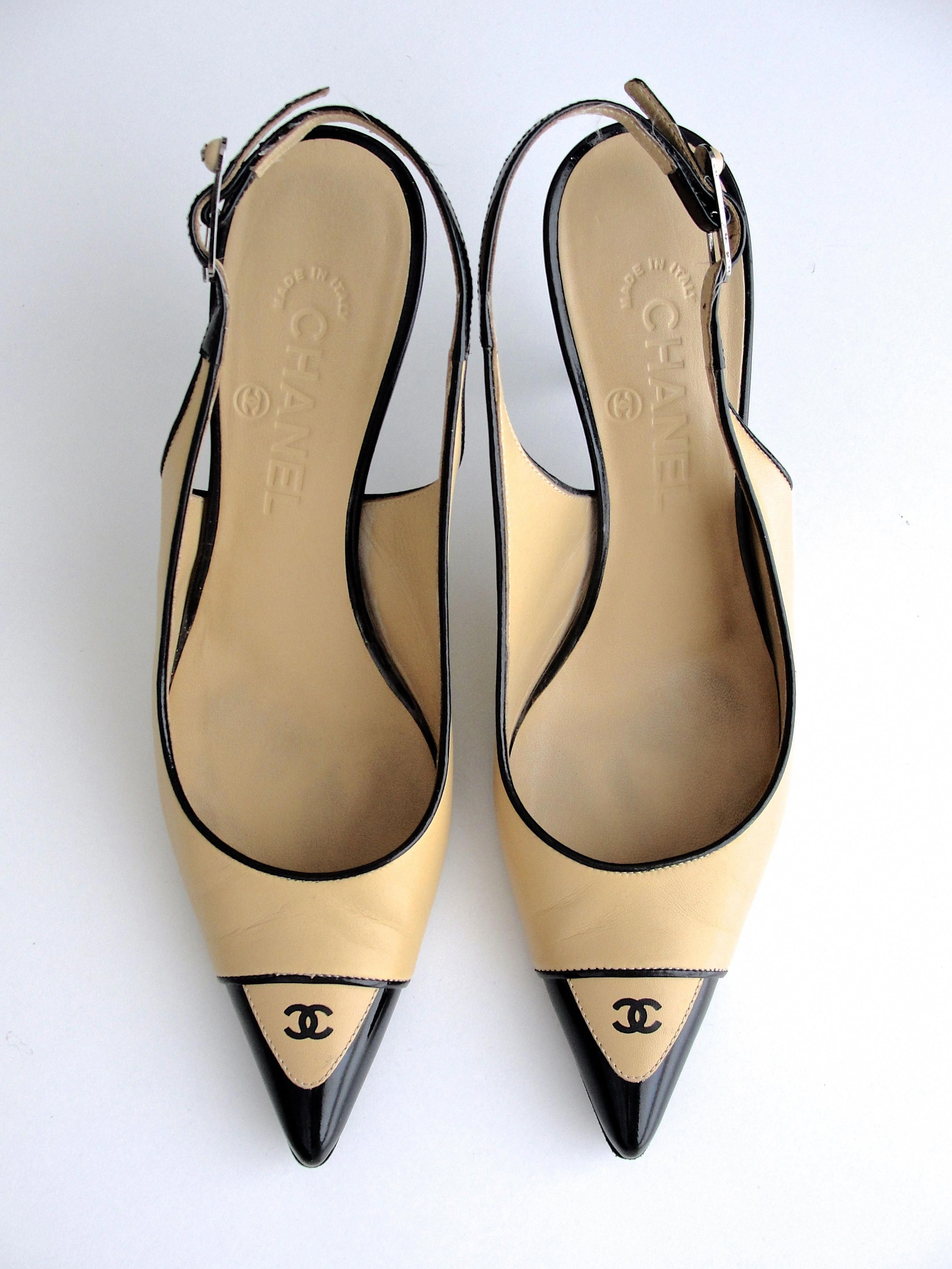 There are so many styles and colors of ladies shoes, it