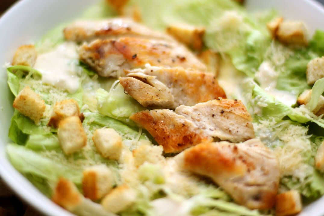 Quick to make, starring cayenne heat… A simple teaspoon of cayenne pepper powder brings a traditional Caesar salad to new flavor heights. The cayenne provides heat, but doesn't interfere with the delicious tang of the Caesar dressing. This is a perfect salad for lunch or a light dinner. No cayenne pepper powder? Or do you …