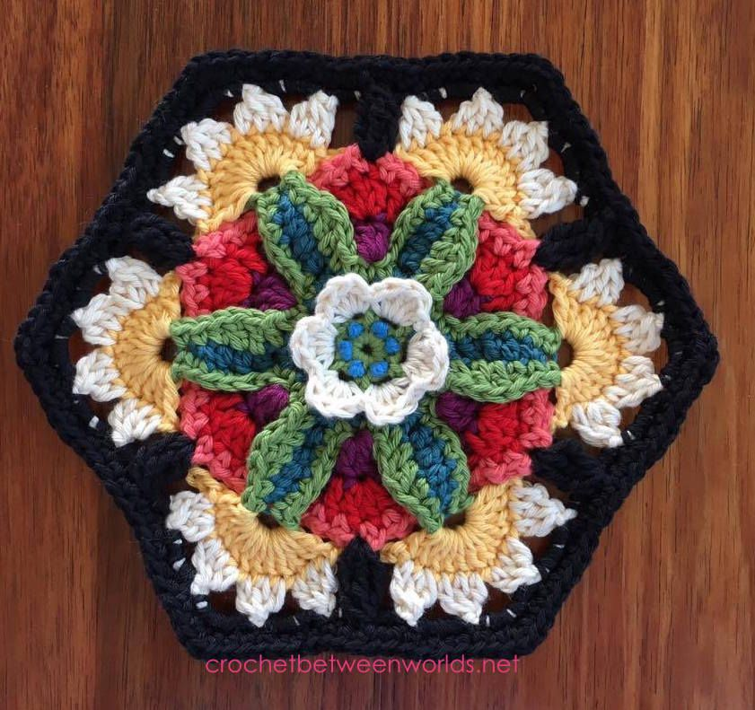 Crochet between worlds: Frida's Flowers CAL - Block 7 - Frida's Bouquet
