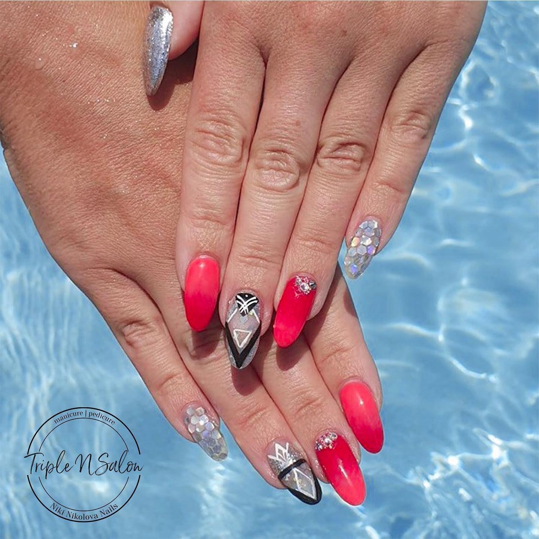 Pin on holiday nails