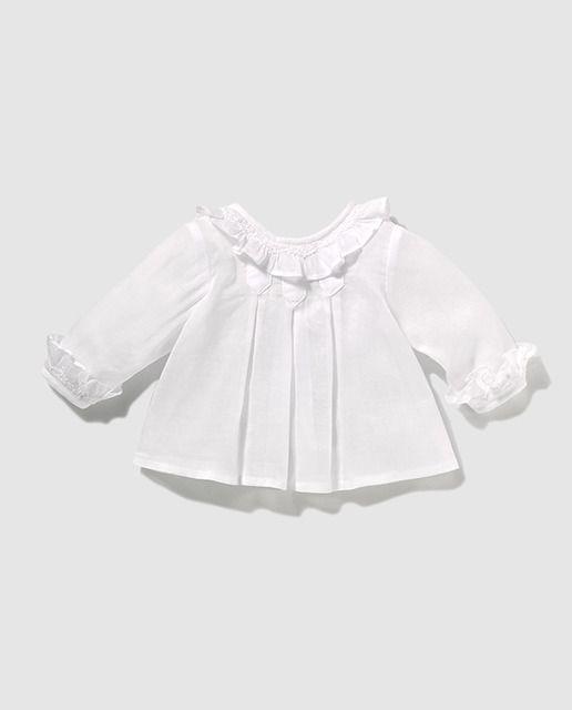 7b6db16548e60 Blusa de bebé niña blanca en organdí