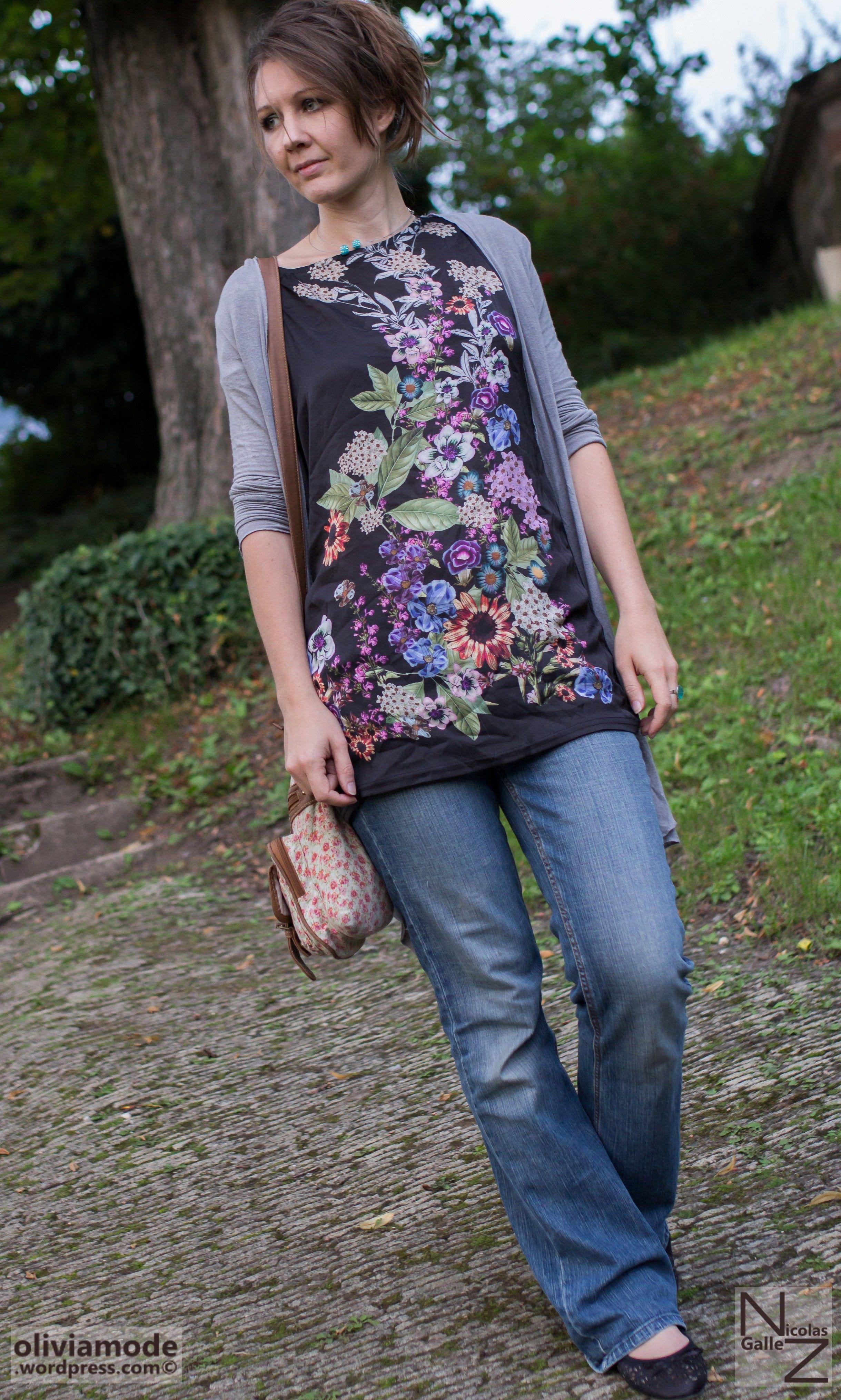 olivia-schneider-oliviaode-tunique-imprimee-photo-fleurs-jean-gilet-gris-ballerines-ajourees3.jpg (Image JPEG, 2438×4059 pixels) - Redimensionnée (23%)