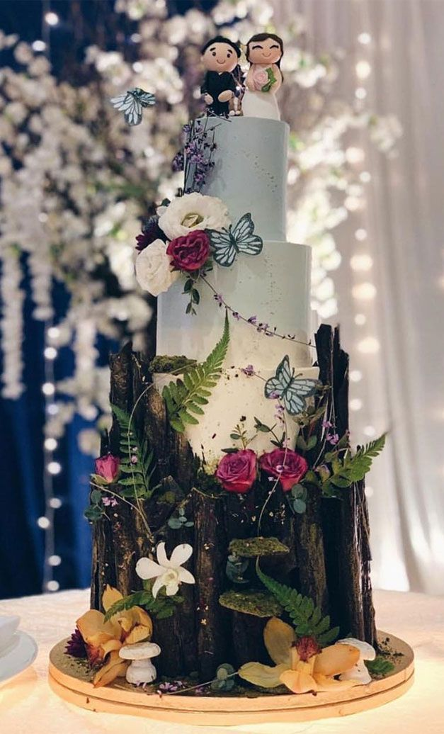 Incredible enchanted forest wedding cake - Woodland wedding cake idea - Fabmood | Wedding Colors, Wedding Themes, Wedding color palettes