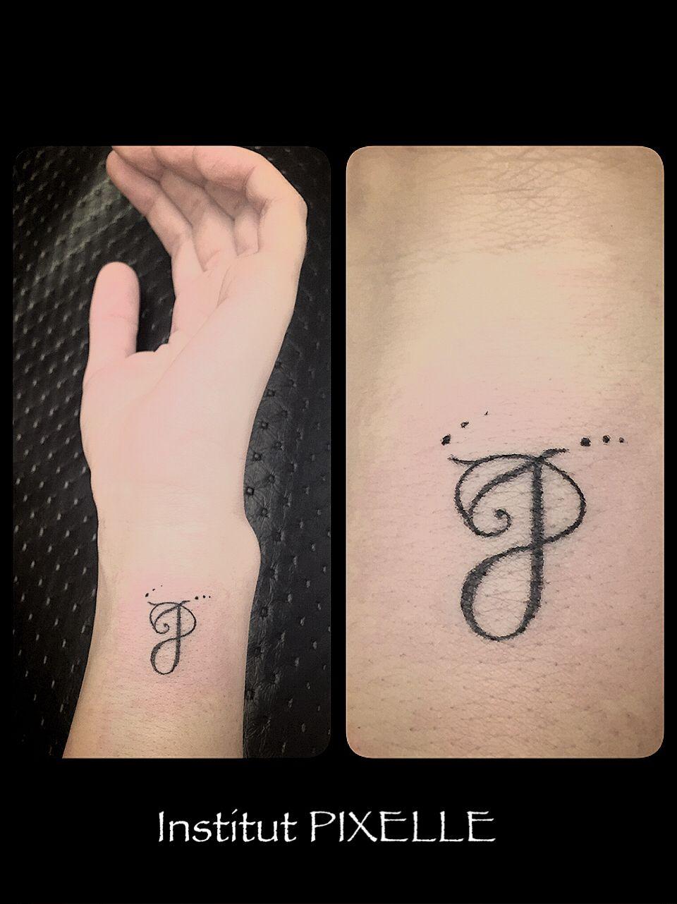 Tatouage Lettre J Pixelle Par Oliviarollin Tatouage Pixelle Par