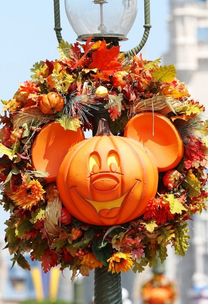 15 Disney Halloween Decorations Ideas Pinterest Disney halloween - not so scary halloween decorations