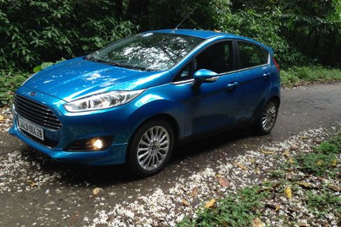 Phiên bản động cơ Ford Fiesta EcoBoost tiêu hao nhiều nhiên liệu có thực sự là một tin đồn hay không. Là một trong những chiếc xe giá cả phải chăng cho một vài miếng của công nghệ mạnh mẽ tại Việt Nam, các khách hàng Ford Fiesta EcoBoost 1.0 mới với công suất nhỏ hơn, thu hút nhiều người. , Mọi người ngạc nhiên về khả năng của mình và để đáp ứng tiêu thụ nhiên liệu khi các nhà sản xuất động cơ xác nhận khát 1,0 lít và 1,6 lít cuộc sống lành mạnh ngang. chiếc xe thử nghiệm thực nhận sản xuất…