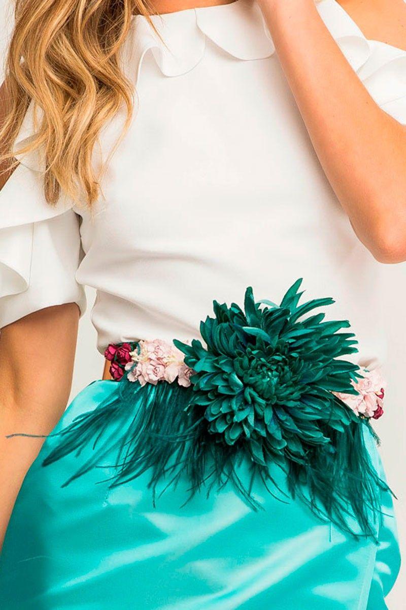 dff1eadf0 comprar online cinturon con flor verde plumas margandu rosas para fiesta  evento ocasion apparentia shopping