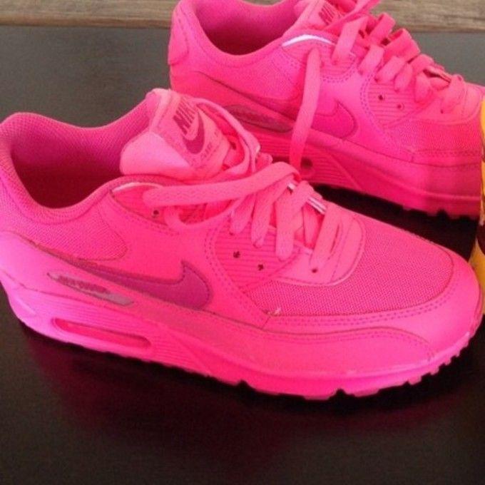 hot pink nike air max  a9ccf9da2947