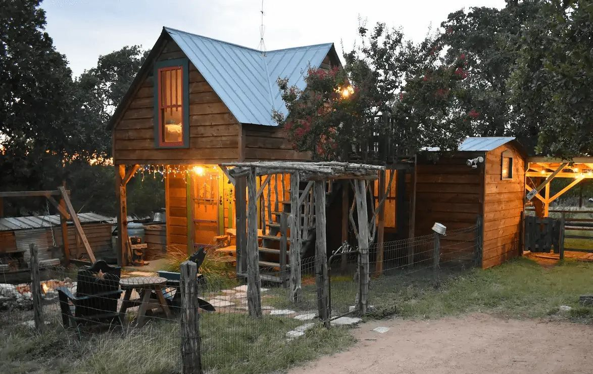 The Coolest Dog Friendly Rentals In Texas Hill Country Secluded Cabin Luxury Tub Romantic Cabin