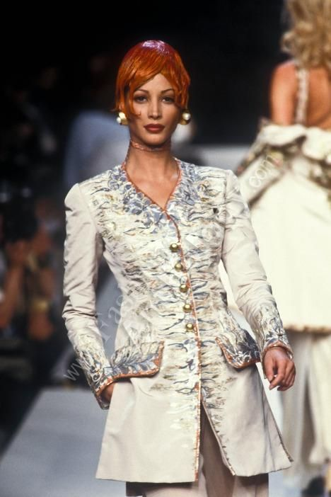 Christy Turlington: CHANEL