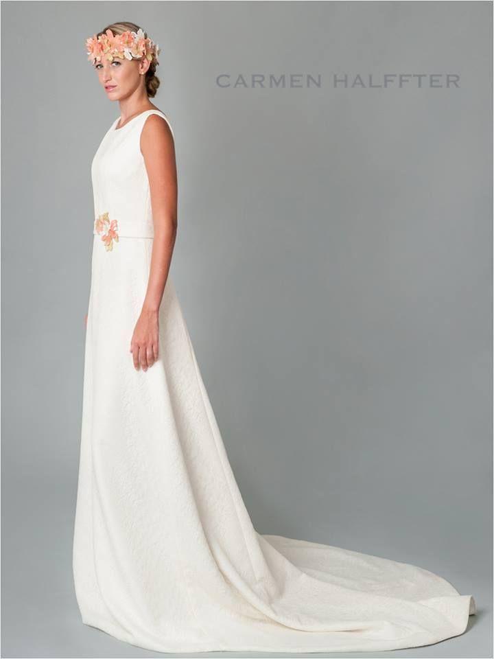un toque de color a tu vestido de novia? vestido evasé en encaje con