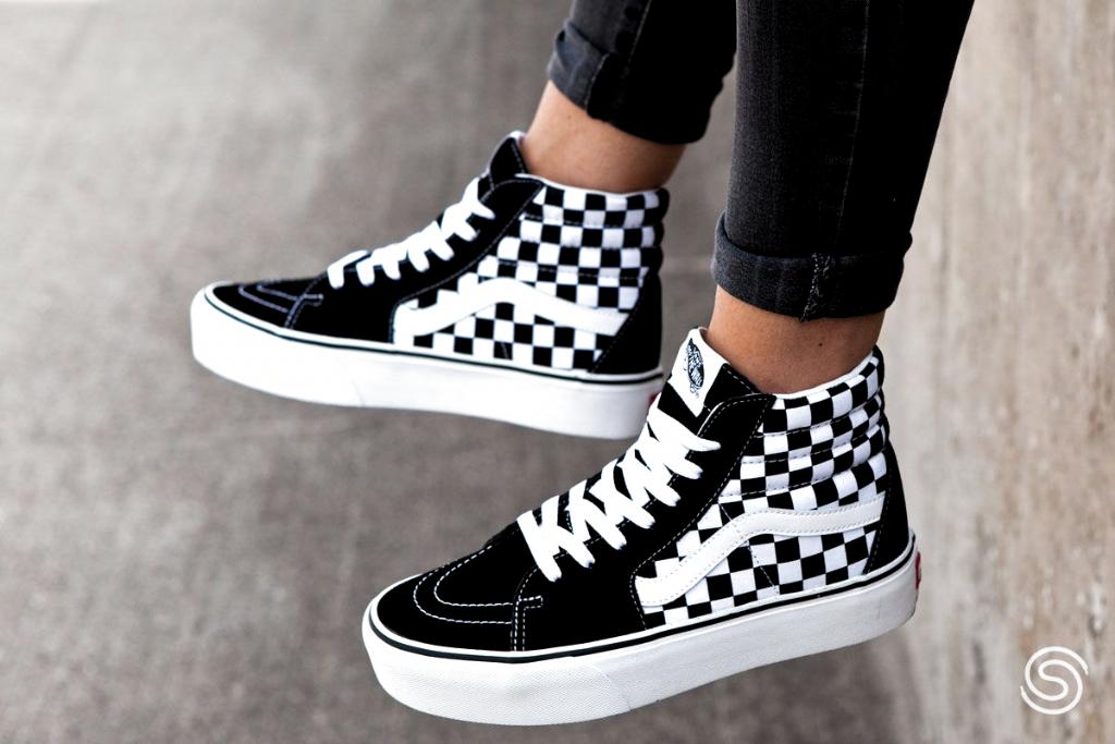 Zwarte Vans Sneakers Dames in 2020 | Vans sk8 hi platform ...