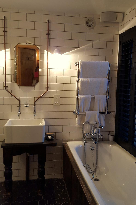 Bell Inn Ticehurst (With images) | Inn, House, Lodge