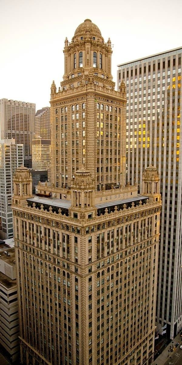 35 east wacker also known as the jewelers building art deco in chicago