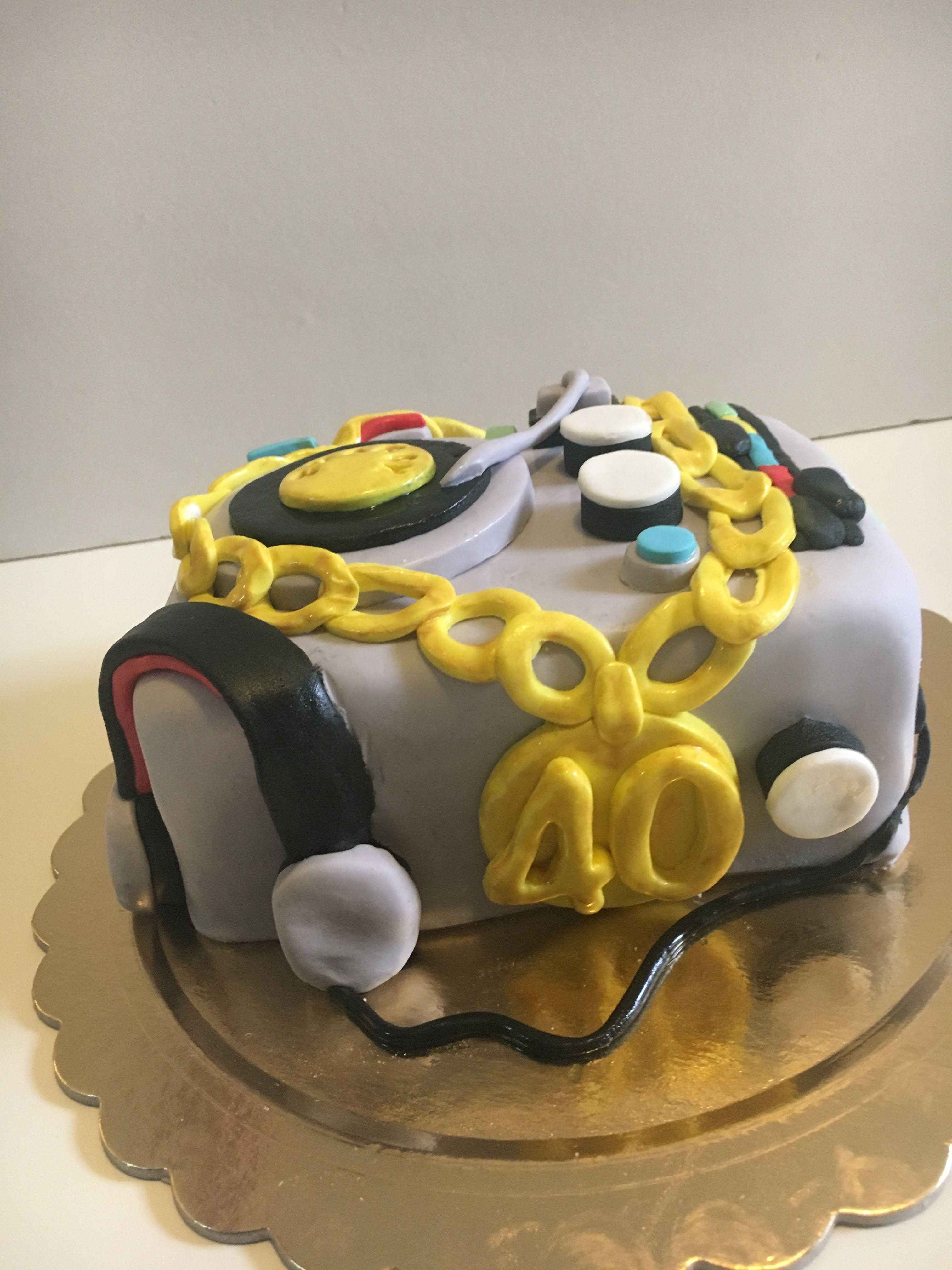 80's DJ Hip Hop cake (With images) Creative cakes, Cake