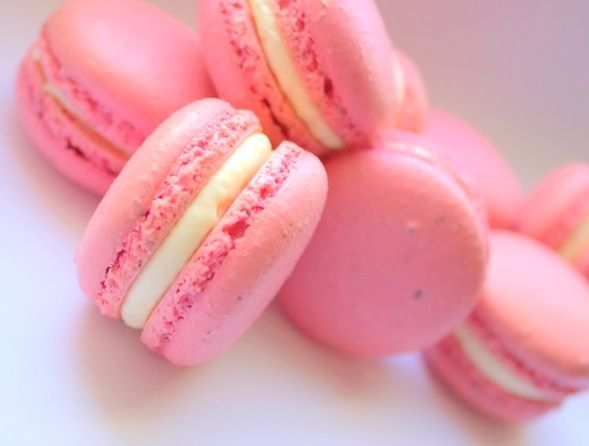 The Extraordinary Art of Cake: Pretty Pink Very Berry ...