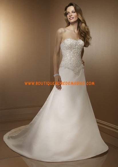 Robe de mariée Princesse à bustier garnie de broderie