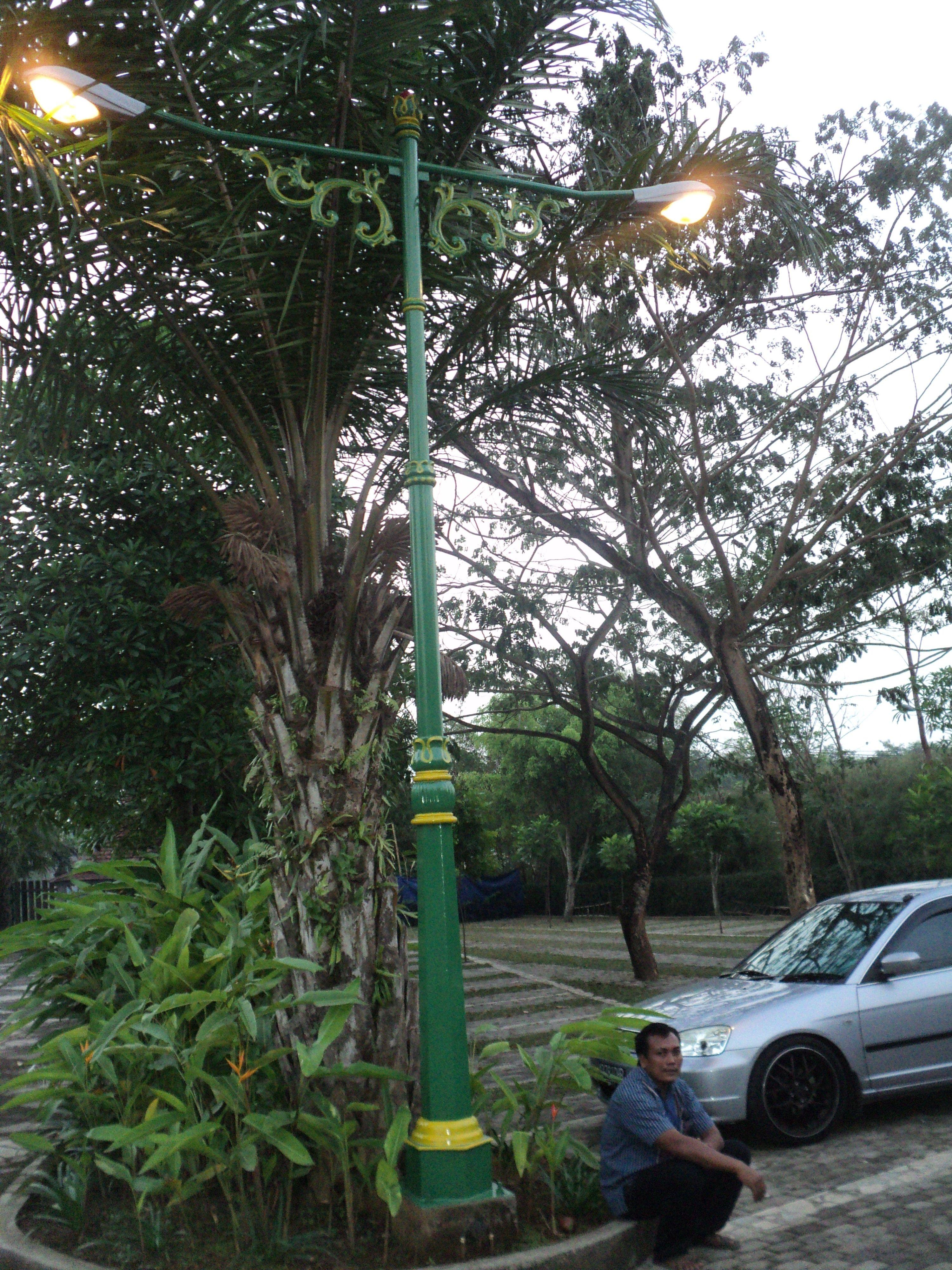 Lampu Taman Dengan Gambar Taman Lampu Indonesia