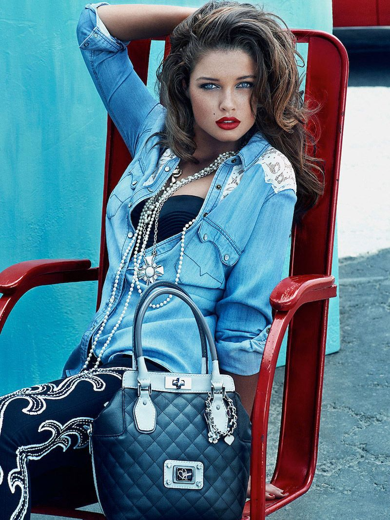a7b2be9102 Sac Guess collection automne hiver 2013 2014 on http://www.befashionlike.