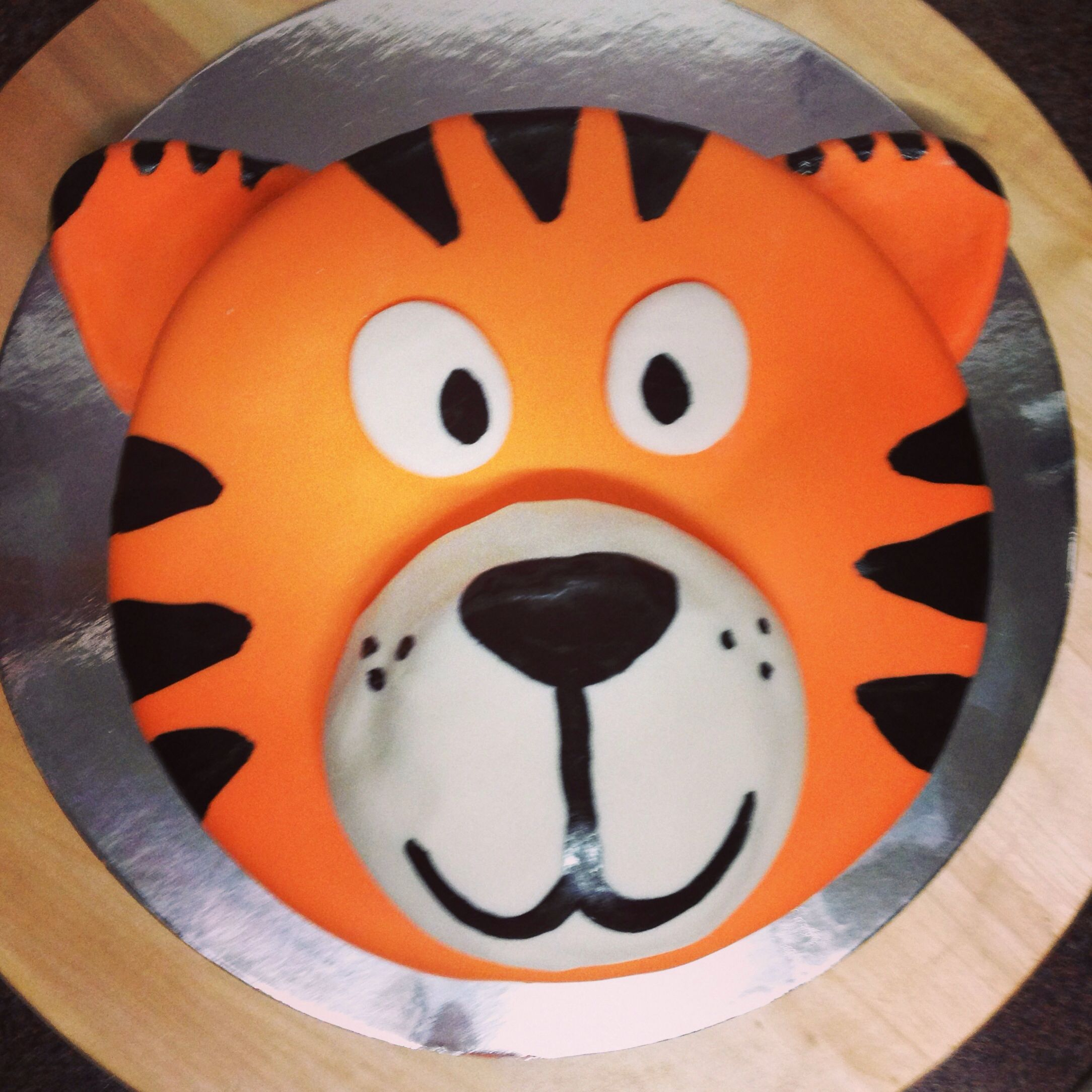 Pleasant Tiger Face Mudcake For A Birthday Cake With Images Tiger Personalised Birthday Cards Paralily Jamesorg
