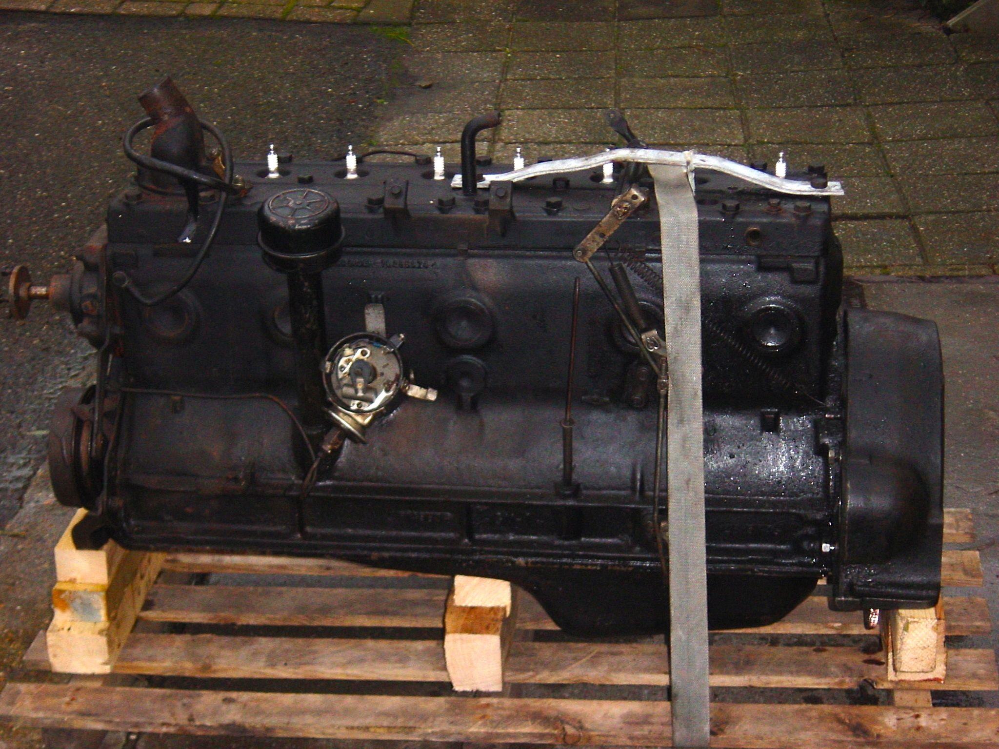 8 cilinder line flathead