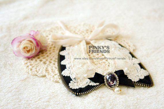 Retro Milk White Lace & zipper Pet Collar for by PinkysFriends