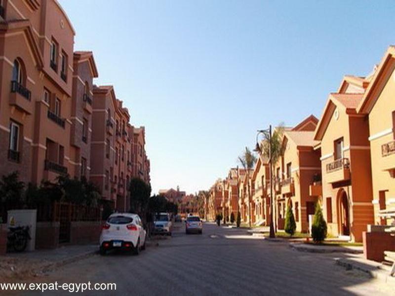 عقار ستوك فيلا راقية للبيع كومبوند جرينز في مدينة الشيخ زايد 6 أكتوبر Sheikh Zayed City Lake View Best Location